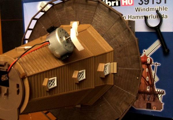 Voir le moulin a vent photovoltaique for Bricolage moulin a vent en bois